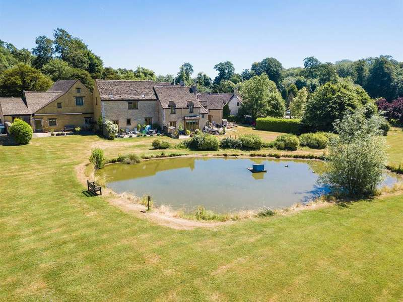 2 Bedrooms Cottage House for sale in The Stable Yard, Petty France, Badminton, GL91EG
