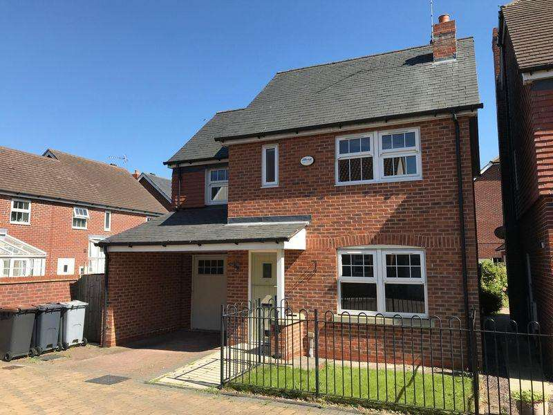 3 Bedrooms Detached House for sale in Galloway Green, Congleton