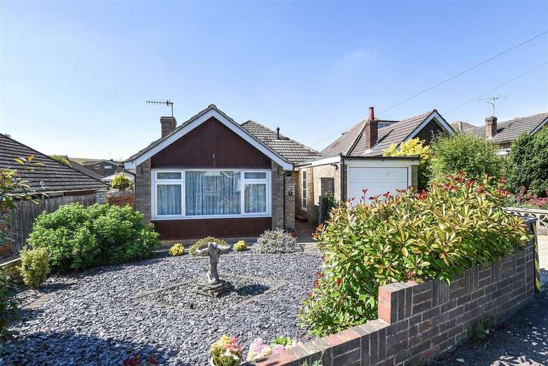 3 Bedrooms Detached Bungalow for sale in The Close, Newhaven