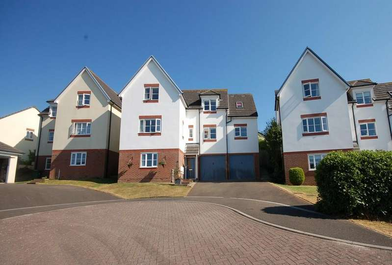 4 Bedrooms Detached House for sale in Field End, Bideford