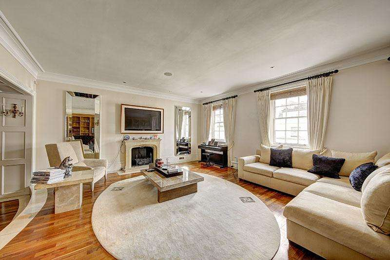 3 Bedrooms Flat for sale in Eaton Place, London. SW1X