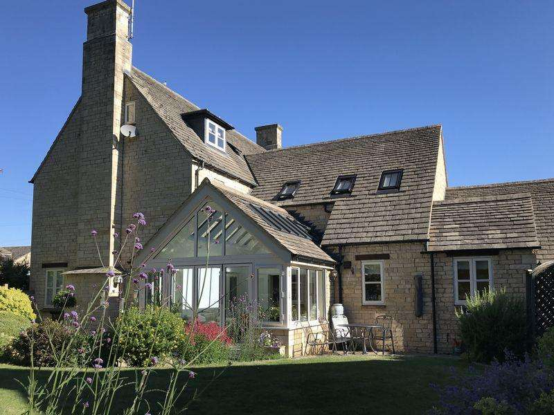 5 Bedrooms Detached House for sale in Prebendal Green, Yarwell