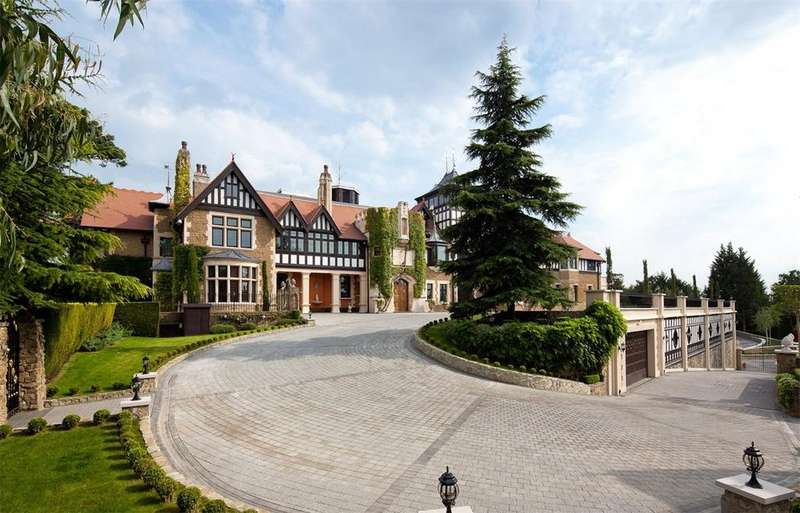 9 Bedrooms Detached House for sale in Warren Lane, Oxshott, Surrey, KT22