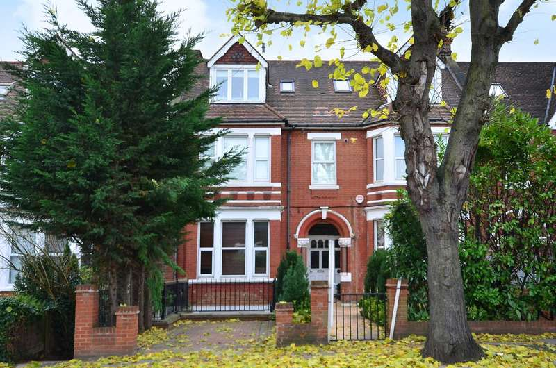 3 Bedrooms Flat for sale in Creffield Road, Ealing, W5