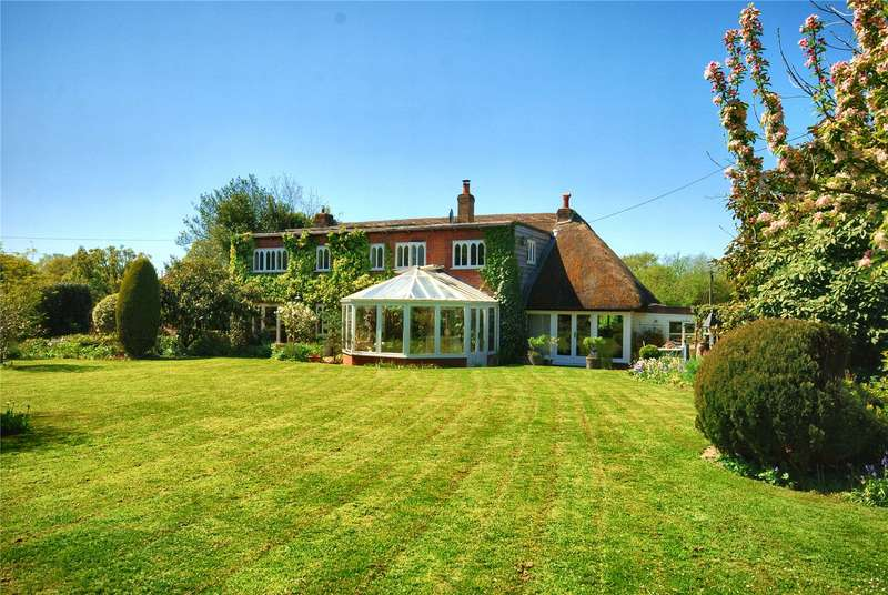 4 Bedrooms Detached House for sale in Ringwood Road, North Gorley, Fordingbridge, Hampshire, SP6