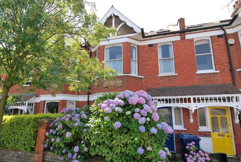 4 Bedrooms Terraced House for sale in Devonshire Road, Ealing, London, W5 4TS