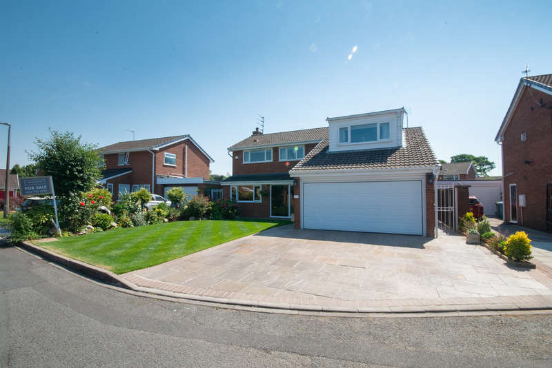 4 Bedrooms Detached House for sale in Clwyd Grove, West Derby, Liverpool L12