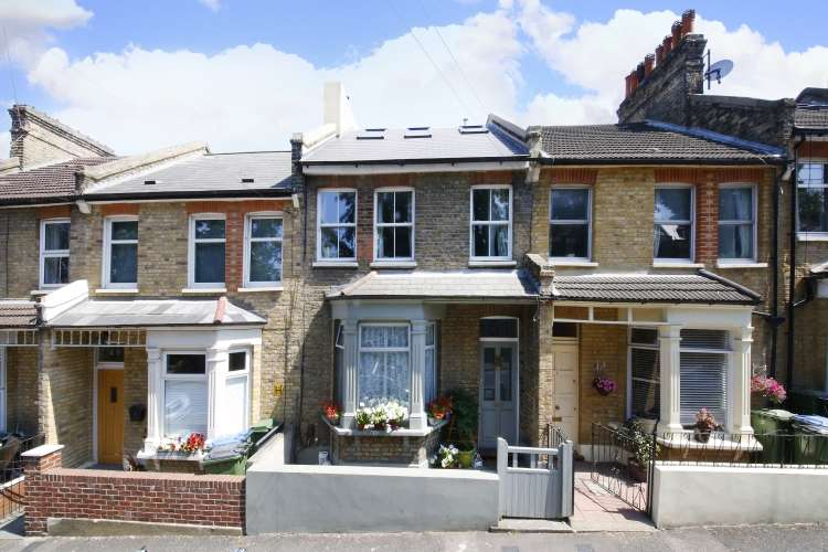 4 Bedrooms Terraced House for sale in Siebert Road London SE3