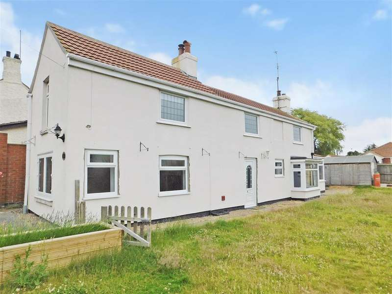 3 Bedrooms Detached House for sale in Thames Street, Hogsthorpe, Skegness, PE24 5PR