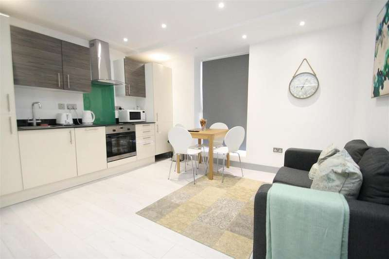 2 Bedrooms Apartment Flat for sale in Nelson Street, Southend-On-Sea