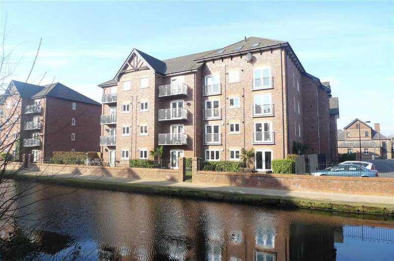 2 Bedrooms Apartment Flat for sale in Waterside, Sale, M33