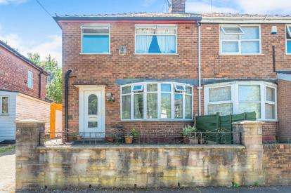 3 Bedrooms Semi Detached House for sale in Crescent Range, Manchester, Greater Manchester, Uk