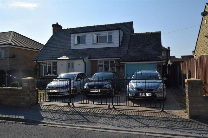 4 Bedrooms House for sale in Mostyn Grove, Bradford