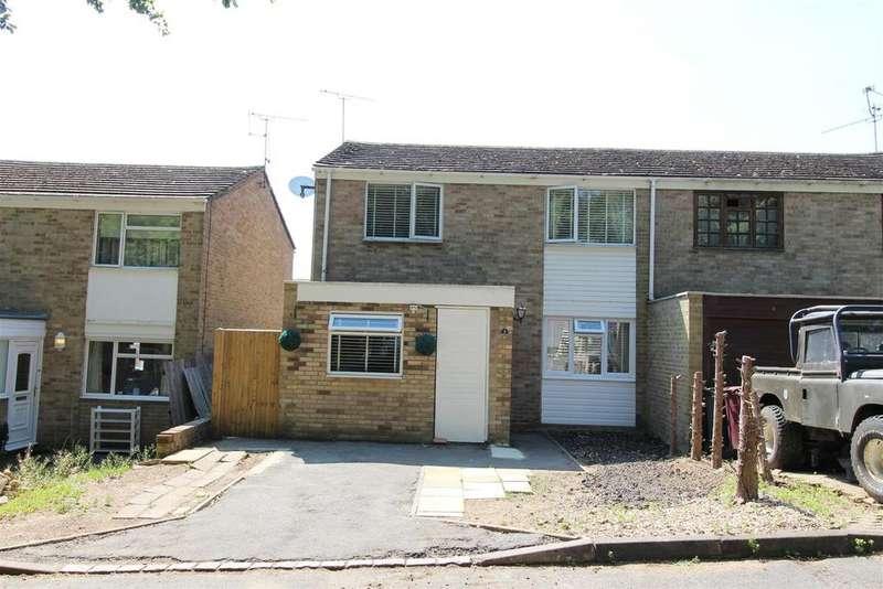 3 Bedrooms House for sale in Farnham Drive, Caversham Park Village, Reading