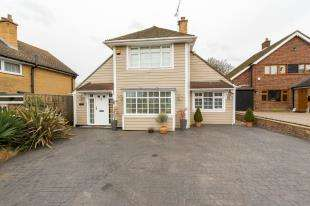 4 Bedrooms Detached House for sale in Chalky Bank, Gravesend, Kent, England