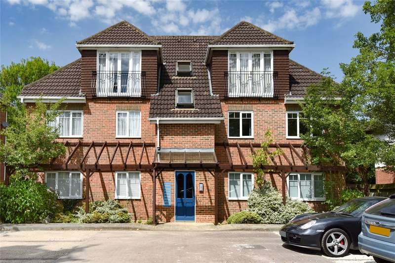 2 Bedrooms Apartment Flat for sale in Yorktown Road, Sandhurst, Berkshire, GU47