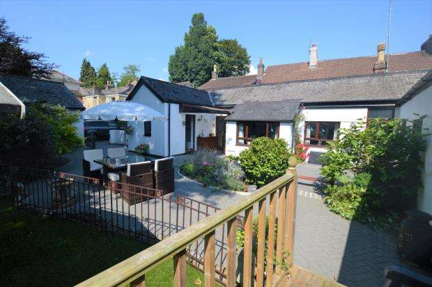 4 Bedrooms Detached Bungalow for sale in Plymouth Road, Buckfastleigh, Devon