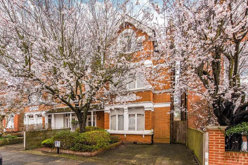 5 Bedrooms Semi Detached House for sale in St. Stephens Gardens, St Margarets