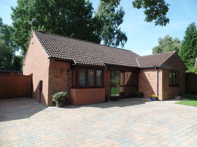 3 Bedrooms Property for sale in Staffordshire Crescent, Lincoln