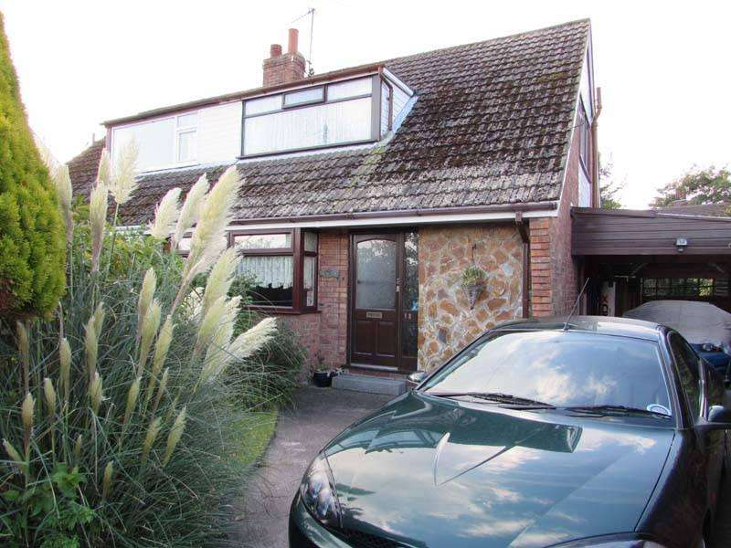 3 Bedrooms Semi Detached Bungalow for sale in The Crescent