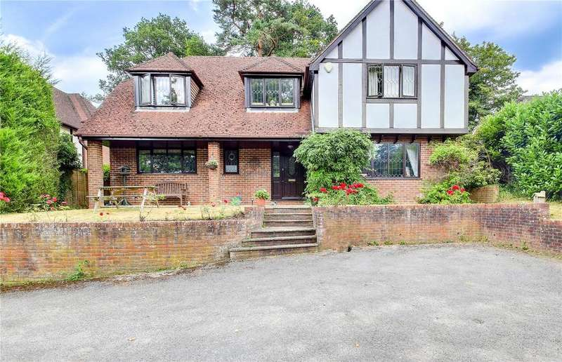 4 Bedrooms Detached House for sale in Honeysuckle Lane, Headley Down, Hampshire