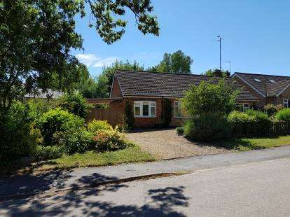 3 Bedrooms Bungalow for sale in Brook Lane, Great Easton, Market Harborough, Leicestershire