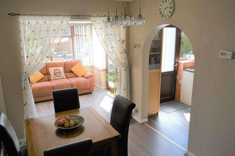 3 Bedrooms Detached House for sale in Raydale Close, Lowton, WA3 2TP