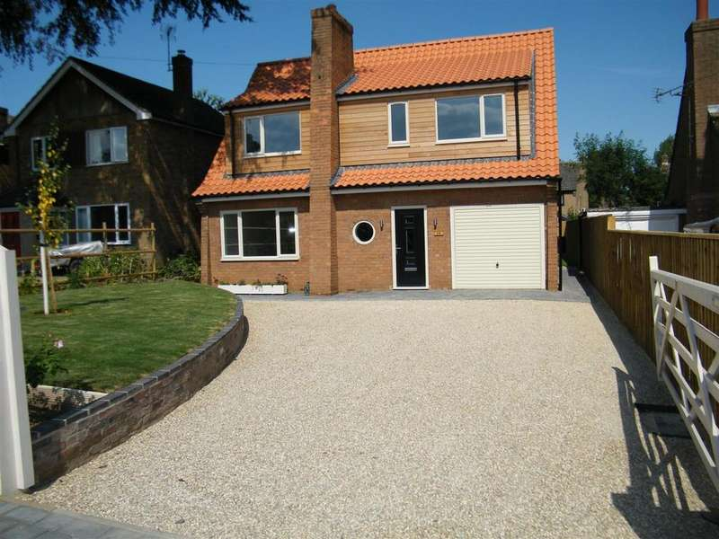 3 Bedrooms Detached House for sale in High Street, Caythorpe, Grantham