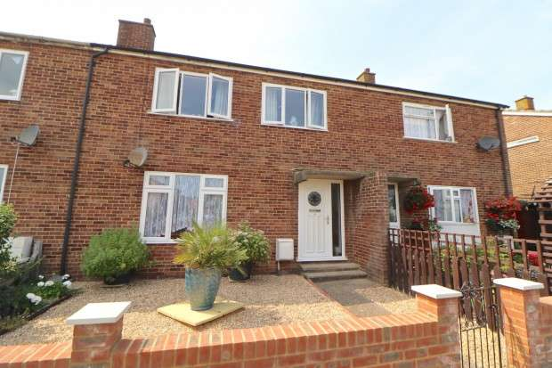 3 Bedrooms Terraced House for sale in Otham Park, Hailsham, BN27