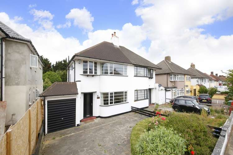 3 Bedrooms Semi Detached House for sale in Woolacombe Road London SE3