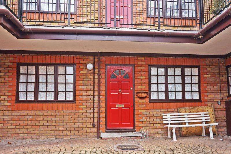 2 Bedrooms Retirement Property for sale in Retirement Property in Southend House, Footscray Road, Eltham