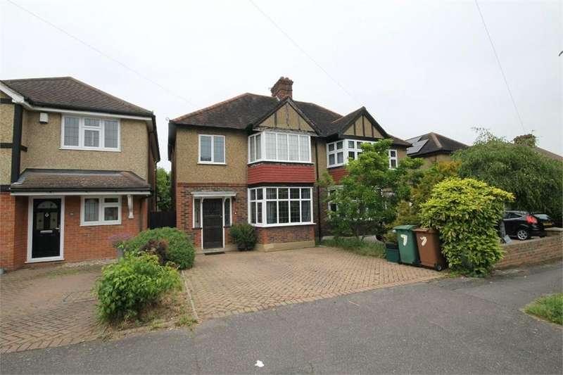 3 Bedrooms Semi Detached House for sale in Newbolt Avenue, Cheam, SUTTON, Surrey