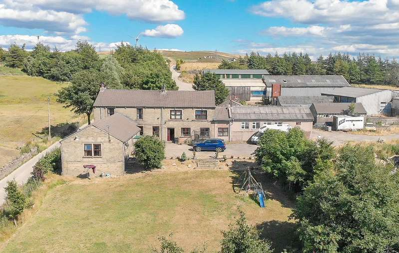 4 Bedrooms Barn Conversion Character Property for sale in Tong Lane, Bacup, Lancashire