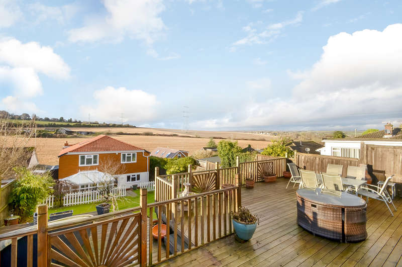 5 Bedrooms Detached House for sale in Catherington, Hampshire