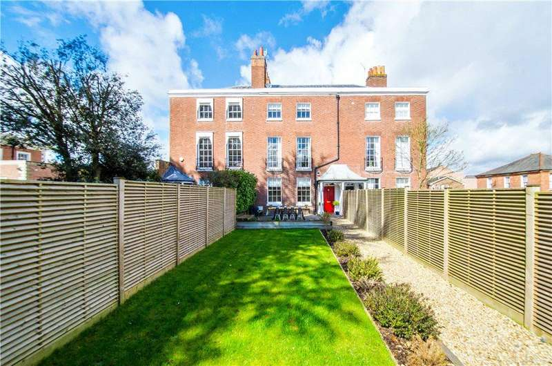 4 Bedrooms Terraced House for sale in Barbourne Terrace, Worcester, Worcestershire, WR1