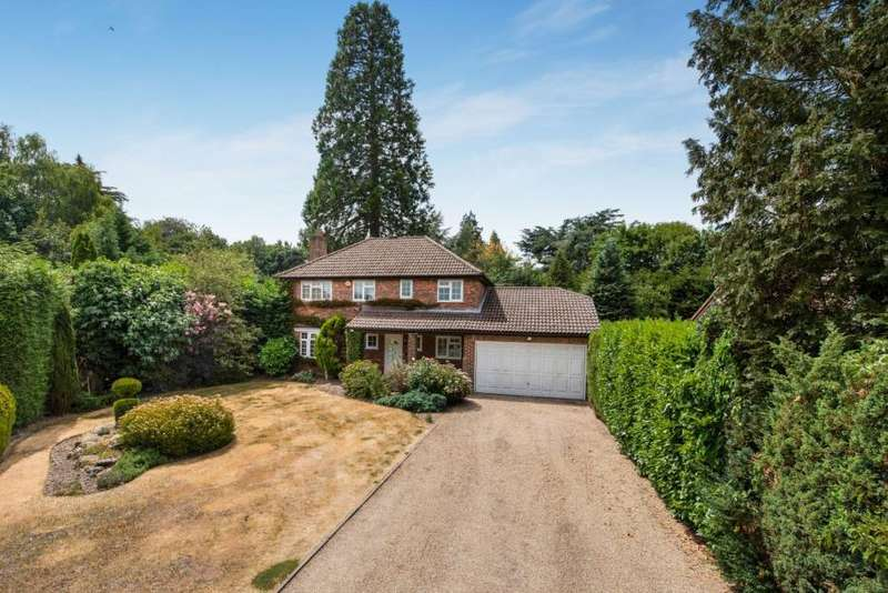 4 Bedrooms Detached House for sale in Parkfield, Chorleywood, Herts WD3