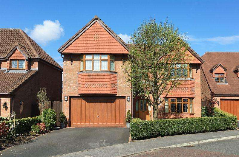 5 Bedrooms Detached House for sale in Linacre Lane, Widnes
