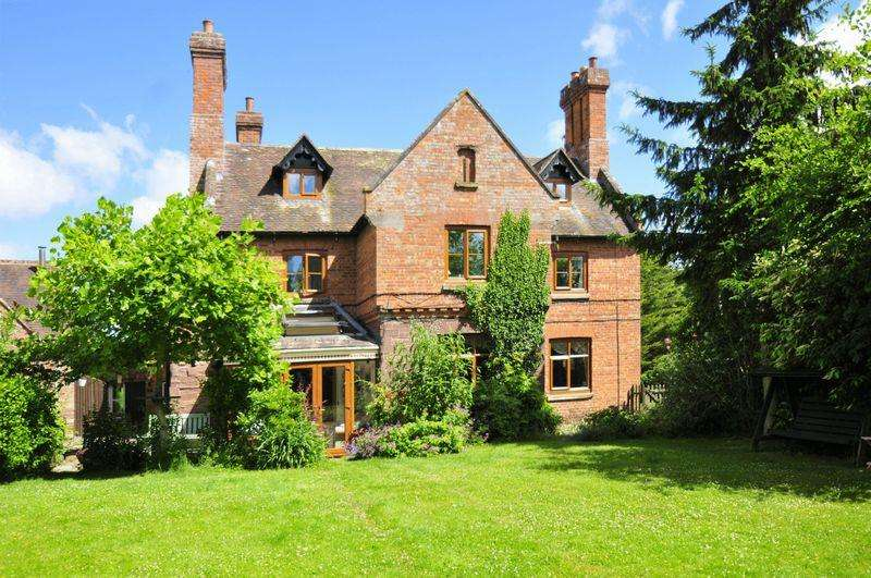 7 Bedrooms Detached House for sale in Monkhopton, Bridgnorth