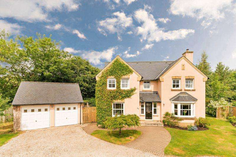 4 Bedrooms Detached House for sale in 26 South Parks, Peebles, EH45 9DS