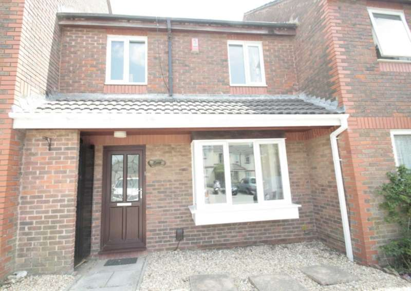 3 Bedrooms Terraced House for sale in Constable Close, Crownhill