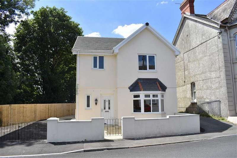 3 Bedrooms Detached House for sale in Llwynhendy Road, Llanelli