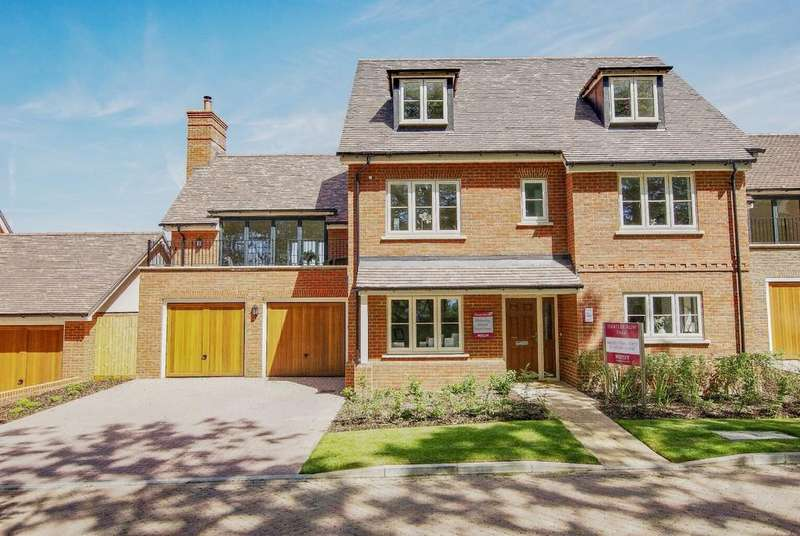 5 Bedrooms Detached House for sale in Hartley Row Park, Hartley Wintney