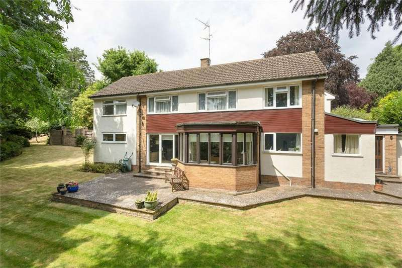 5 Bedrooms Detached House for sale in Maple Avenue, BISHOP'S STORTFORD, Hertfordshire