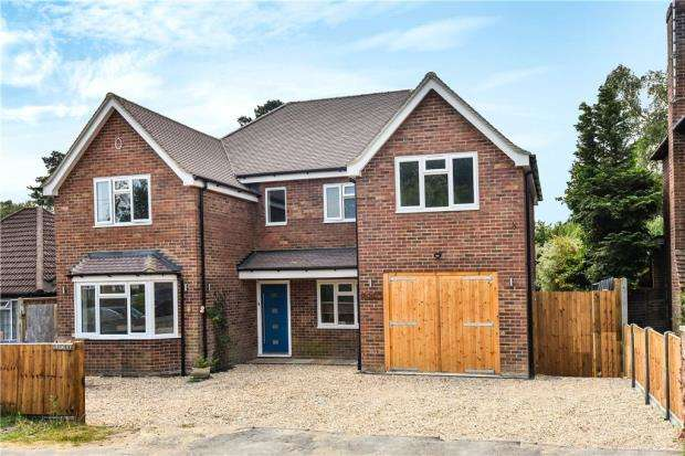 4 Bedrooms Detached House for sale in Orchard Gate, Sandhurst, Berkshire