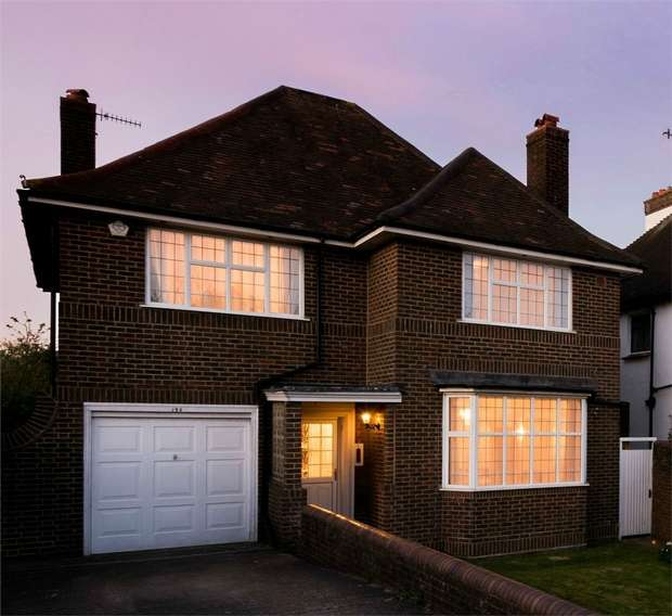 4 Bedrooms Detached House for sale in New Church Road, Hove, East Sussex