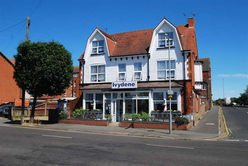 12 Bedrooms Commercial Property for sale in The Ivydene Hotel, 39-41 Drummond Road, Skegness