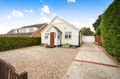 3 Bedrooms Detached House for sale in Wickford, ., Essex