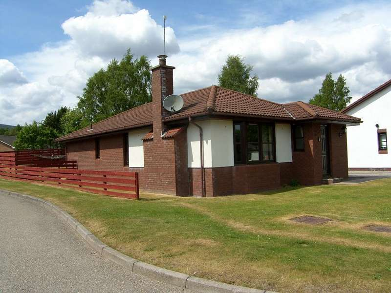 3 Bedrooms Bungalow for sale in Silverglades, Aviemore, PH22