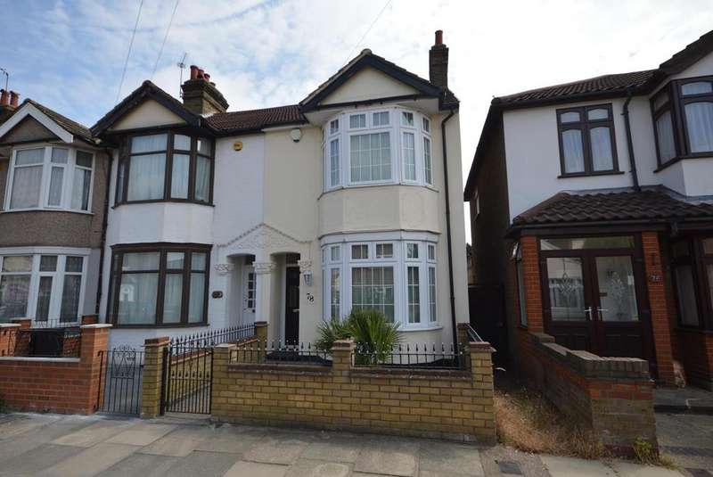 3 Bedrooms Semi Detached House for sale in Pretoria Road, Romford, RM7