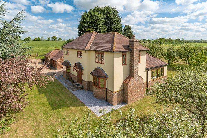 4 Bedrooms Detached House for sale in Orchard Farm, Pavenham, Bedfordshire, MK43